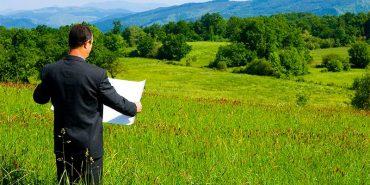 Українцям дозволили обмінюватись земельними ділянками