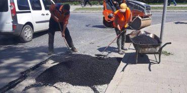 У Коломиї ремонтують дороги. ФОТОФАКТ