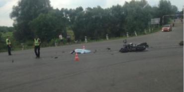 Мотоцикліст, який на коломийській об'їзній врізався у бензовоз, помер у лікарні