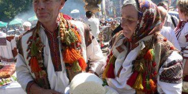 У Поляниці готуються до встановлення рекорду України - планують пригостити гуцульськими стравами найбільшу кількість людей
