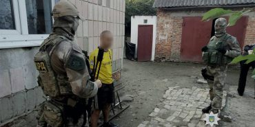 Поліція затримала злочинців, які грабували помешкання прикарпатців. ФОТО