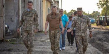 Заступник міністра оборони перевірив у Коломиї будівництво гуртожитків 10 бригади. ФОТО