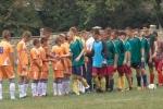 На Івано-Франківщині футбольна команда з Білих Ослав отримала у подарунок від Юрія Дерев'янка новеньку форму