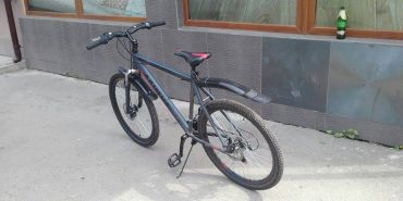 На Прикарпатті в дитини з інвалідністю вкрали велосипед