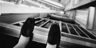 В Івано-Франківську з даху багатоповерхівки стрибнула жінка – її госпіталізували