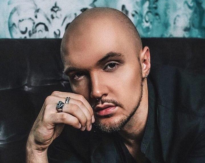 Святослав LOOKINICH з Коломиї став першим українським співаком, що застрахував свій голос. ФОТО
