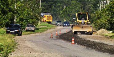 На Коломийщині й Городенківщині ремонтують дороги. ВІДЕО