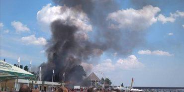 У Коблевому на пляжі спалахнула пожежа, є постраждалі. ФОТО