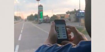 Водія маршрутки звільнили за перегляд Facebook за кермом. ВІДЕО