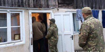 Стало відомо, який запобіжний захід суд обрав злочинцям, які на Коломийщині утримували в нелюдських умовах понад 30 людей