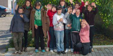 Вихованкам Коломийського дитбудинку допомогли відвідати Парк розваг. ФОТО