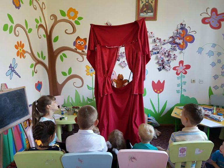 Коломиянам розповіли, як долати тривожність і страхи у дітей за допомогою казкотерапії. ФОТО