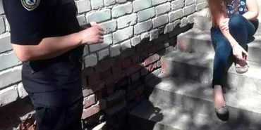 На Прикарпатті 16-річна пацієнтка втекла з лікарні через вікно. ФОТО