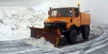 Сусідню країну засипало снігом – на дороги виїхала снігоприбиральна техніка. ФОТО+ВІДЕО
