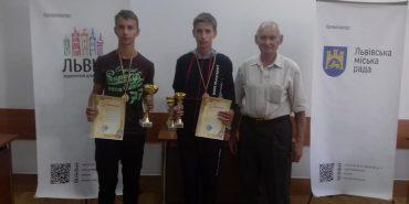 Коломияни Роман і Тарас Стефураки привезли медалі з престижного шахового фестивалю. ФОТО