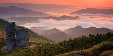 У мережі виклали фото дивовижного світанку у Карпатах