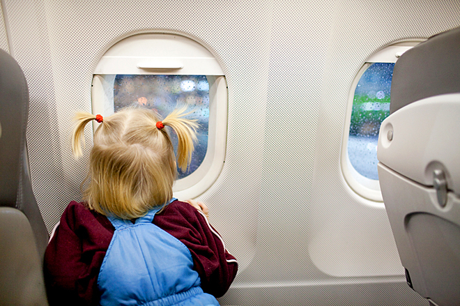 Виїзд за кордон з дитиною: коли згода другого з батьків не потрібна