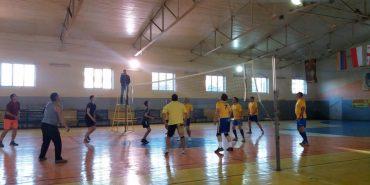 Духовенство та рятувальники Коломиї провели товариський турнір з волейболу. ФОТО