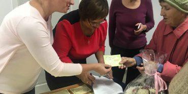Концерт, спілкування і продуктові сертифікати: у Коломиї вшанували людей похилого віку. ФОТО