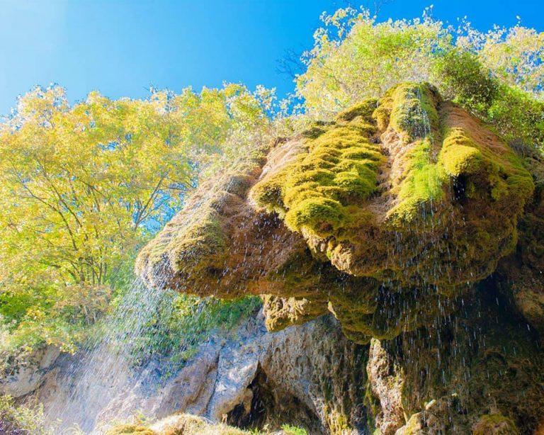 У мережі опублікували неймовірні фото прикарпатського водоспаду. ФОТО