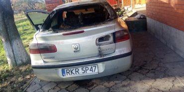 На Прикарпатті чоловік підпалив авто сестри. ВІДЕО