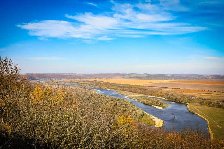 Барви осені: у мережі показали вражаючі світлини Дністровського каньйону