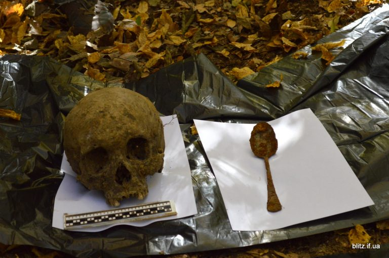 На Тисмеччині виявили загадкове поховання. ФОТО