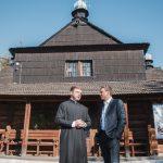 Іванчук біля Благовіщенської церкви (1)