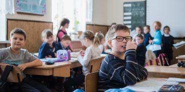 """Фотопроект до Дня вчителя """"Коломийські альма-матер"""": гімназія та природничо-математичний ліцей"""