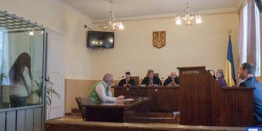 У Коломиї судять молоду жінку, яка на смерть отруїла своїх дітей. ФОТО