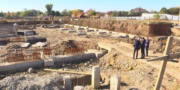 Басейни, тенісні корти, зали для боротьби: у Коломиї триває будівництво водноспортивного комплексу. ВІДЕО
