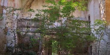 Городенківська національна пам'ятка архітектури руйнується на очах. ФОТО