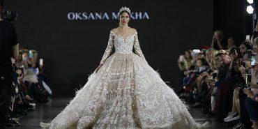 Весільну сукню, яку створювали впродовж 400 годин, показали на Lviv Fashion Week. ФОТО