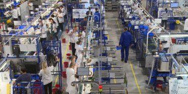 """Середня зарплата від 10 тис. грн і повний соцпакет: що пропонує працівникам завод """"Леоні"""" у Коломиї. ВІДЕО"""
