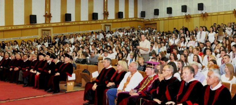Студенти Прикарпатського університету отримали подвійні дипломи
