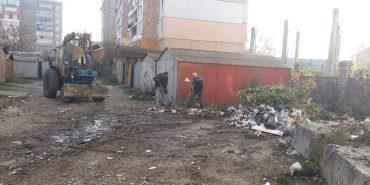 Комунальники ліквідували в Коломиї ще одне стихійне сміттєзвалище. ФОТОФАКТ
