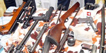 Три гранатомети, 13 карабінів і гвинтівок та 19 пістолетів незаконно зберігали мешканці Прикарпаття