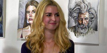 19-річна коломиянка презентувала свою першу виставку. ВІДЕО