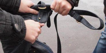 Поліція затримала грабіжника, який пограбував прикарпатця