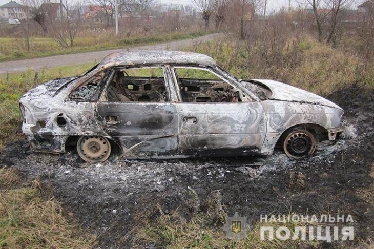 На вихідних у Коломиї викрали і спалили авто, ще чотири - у інших районах