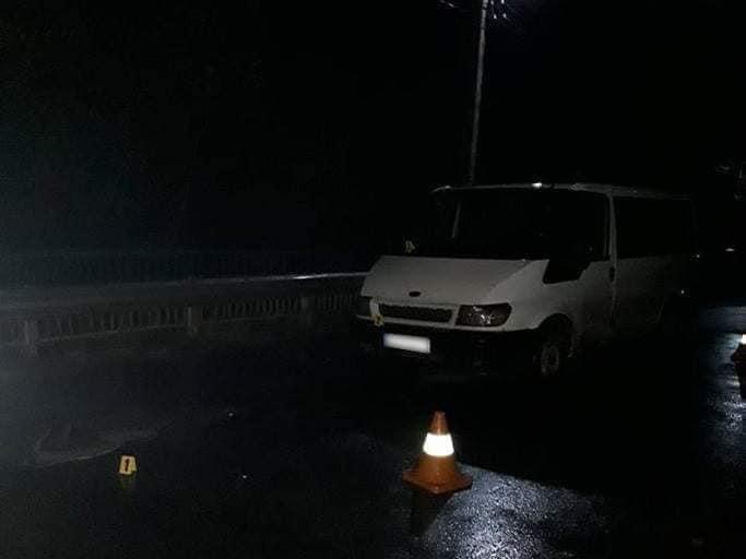 На Франківщині під колесами автомобіля загинув чоловік. ФОТО