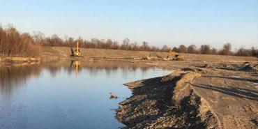 На Снятинщині за 21 млн. грн укріплюють дамбу на річці Черемош. ФОТО