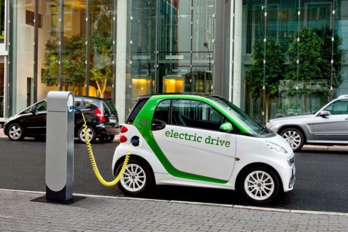 На Прикарпатті хочуть створити заправки для електромобілів