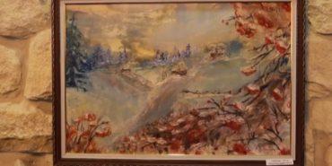 Прикарпатська художниця презентувала  виставку картин, створених воском і праскою. ВІДЕО