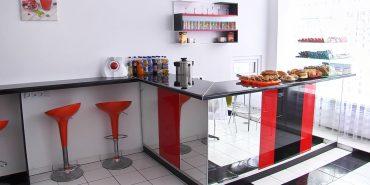 І пообідати, і попрактикуватися: у Коломиї відкрили студентське кафе. ВІДЕО
