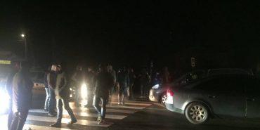 """На Коломийщині водії """"євроблях"""" заблокували дорогу. ФОТО"""