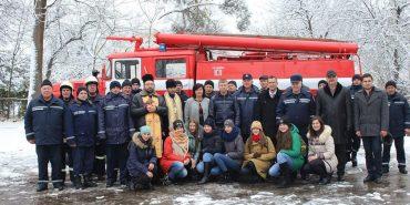 Печеніжинська ОТГ отримала пожежне авто підвищеної прохідності. ФОТО
