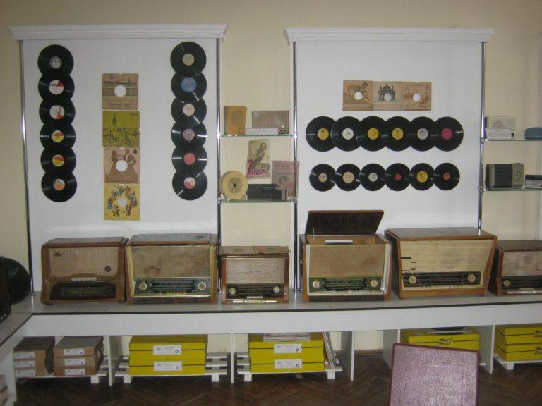 Технічна історія Коломиї: радіо