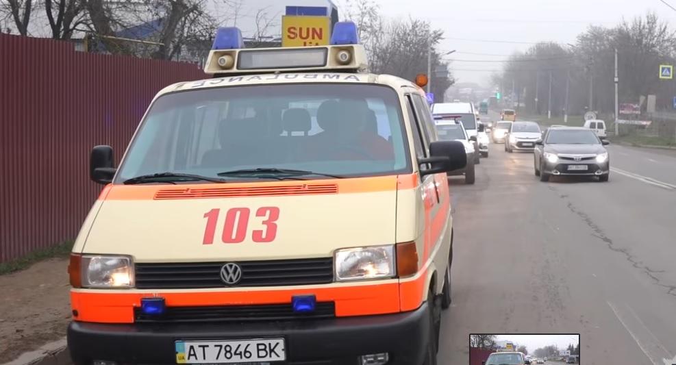 """""""Дати дорогу – врятувати життя"""": франківські поліціянти перевірили, як керманичі пропускають швидку допомогу  (відеосюжет)"""