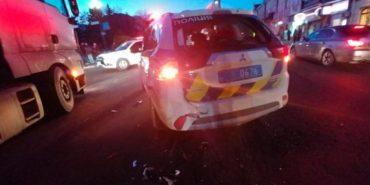 Водій фури у Снятині щодуху тікав від поліцейських, поки не врізався у їхнє авто. ВІДЕО